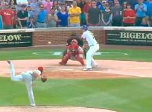 Cole Hamels lanza el último pitcheo para el out 27 de su no hit no run